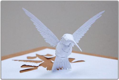 Zoom sur l'oiseau en paper cut