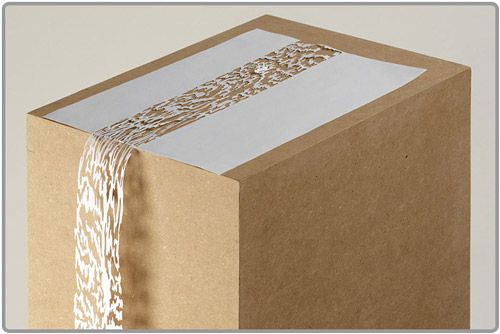 Cascade en papier découpé